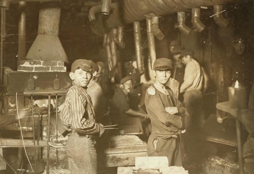 Enfants travaillant dans une usine - SchoolMouv - Histoire - 1re