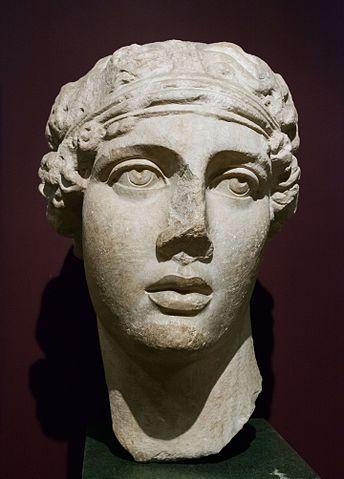Statue de Sappho, artiste inconnu, ©EricGaba, CCBY-SA3.0