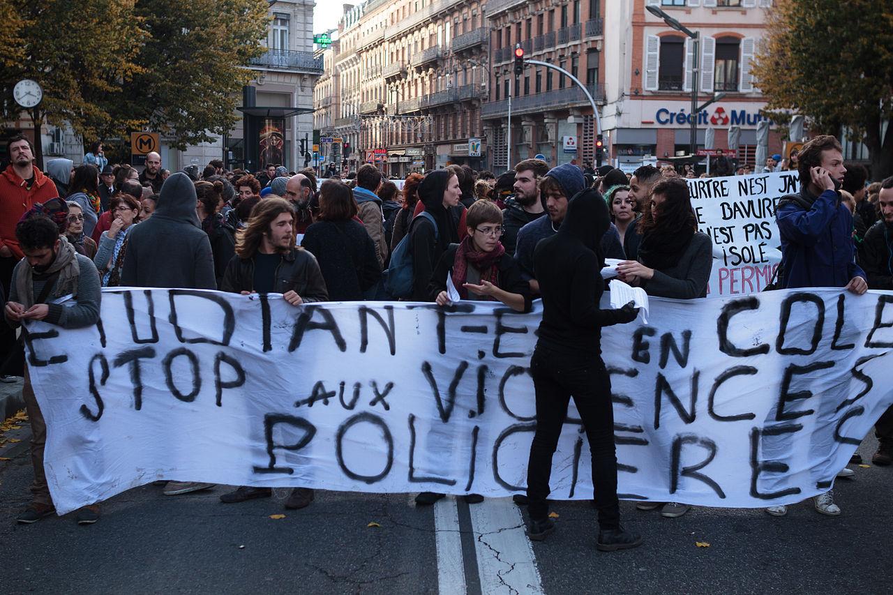 lycéens manifestant contre violences policières Toulouse 2014