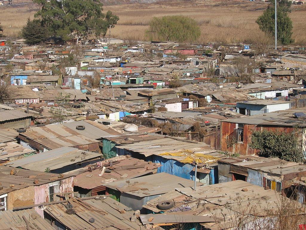 Le bidonville ou <em>township</em> de Soweto, à Johannesburg, Afrique du Sud - géo - 2de - SchoolMouv