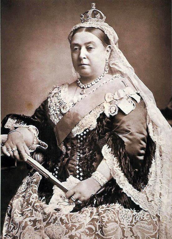 La reine Victoria, photographiée par Alexander Bassano en 1887 - Histoire - 2de - SchoolMouv