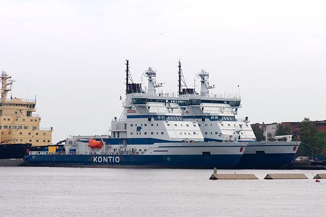 navire brise-glace port Helsinki arctique