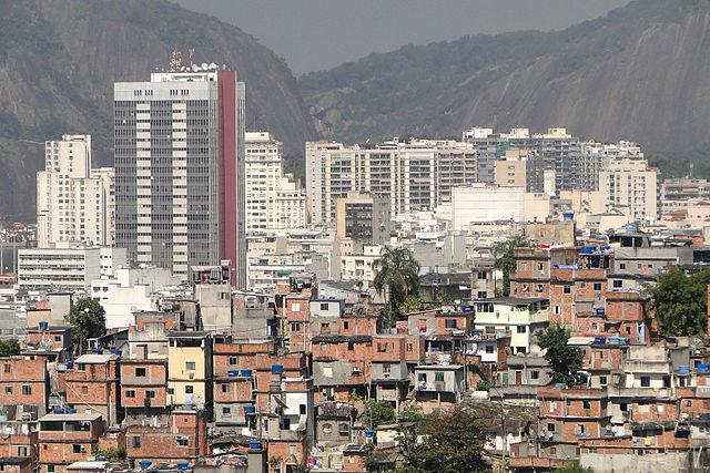 inégalités Brésil Rio de Janeiro favelas quartier d'affaires