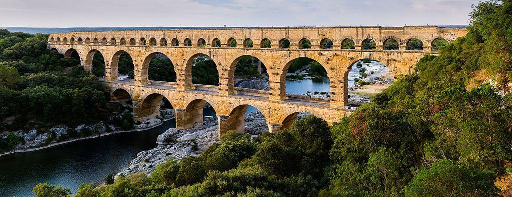 Le Pont du Gard - Histoire - 2de - SchoolMouv