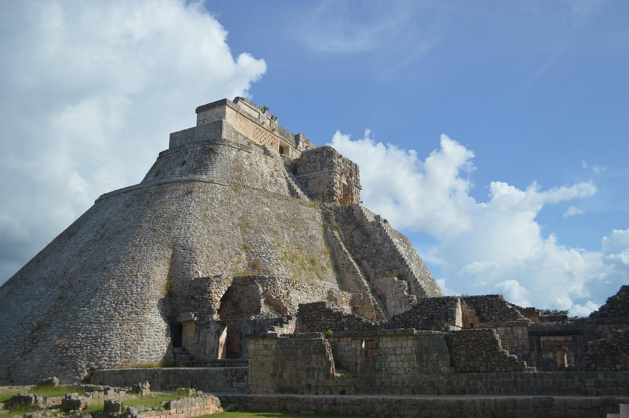 Pyramide centrale d'Uxmal - SchoolMouv - 2de - Histoire