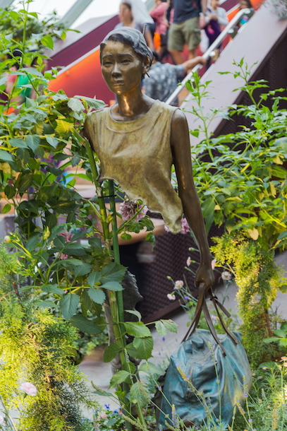 La Famille de voyageurs, Bruno Catalano, Gardens by the bay (région centrale) Singapour. Photographie de ©Marcin Konsek