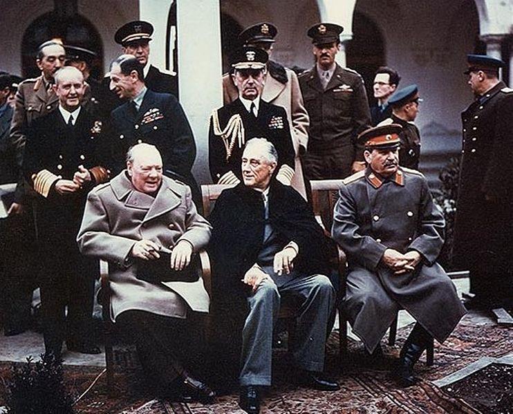 Chuchill, Roosevelt et Staline à la conférence de Yalta - SchoolMouv - Histoire - Terminale