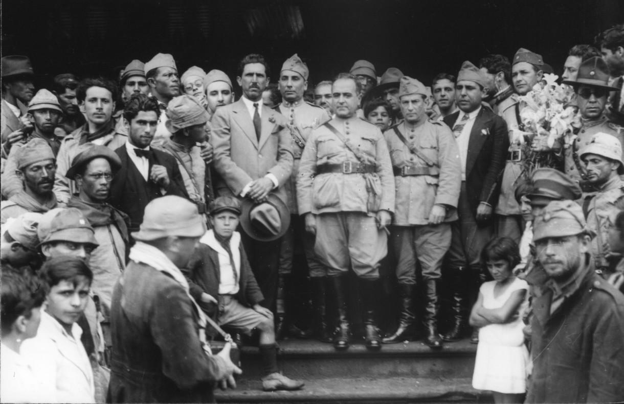 Getulio Vargas lors de sa prise de pouvoir en 1930 - Histoire - terminale - SchoolMouv