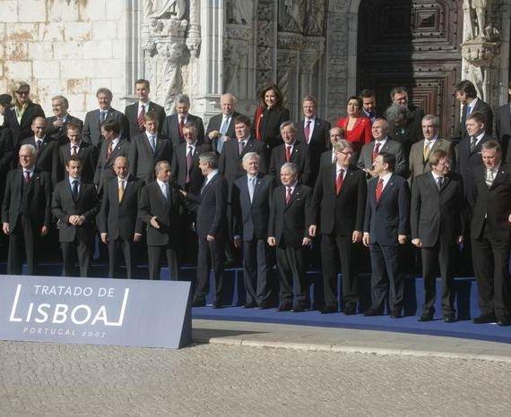 25 dirigeants européens traité Lisbonne - SchoolMouv - Histoire - Terminale