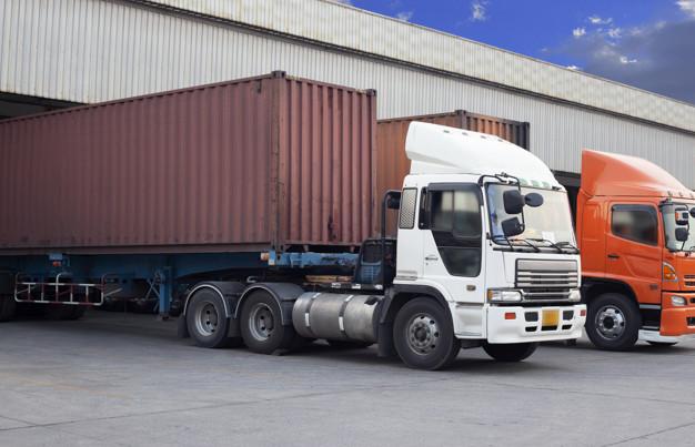Camion chargé d'un conteneur - SchoolMouv - géographie - terminale