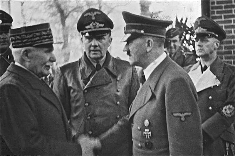 Pétain rencontre Hitler à Montoire, le 24 octobre 1940 - Histoire - terminale - SchoolMouv
