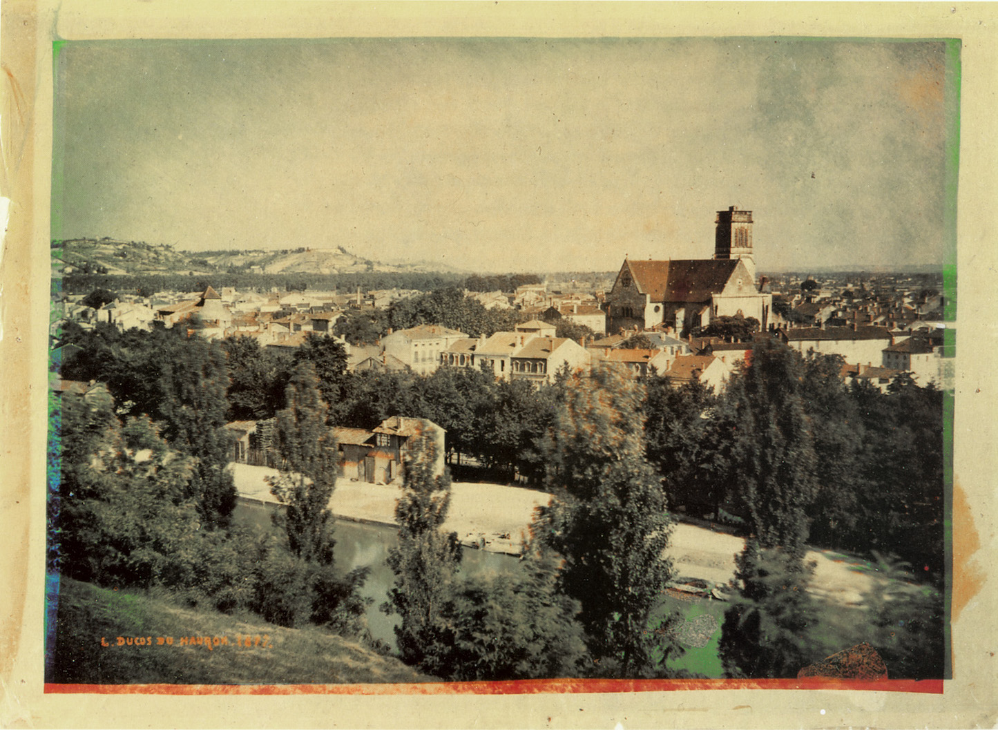 Image numérique histoire photographie <em>Agen</em>, photographie en trichromie, Louis Ducos du Hauron, 1877